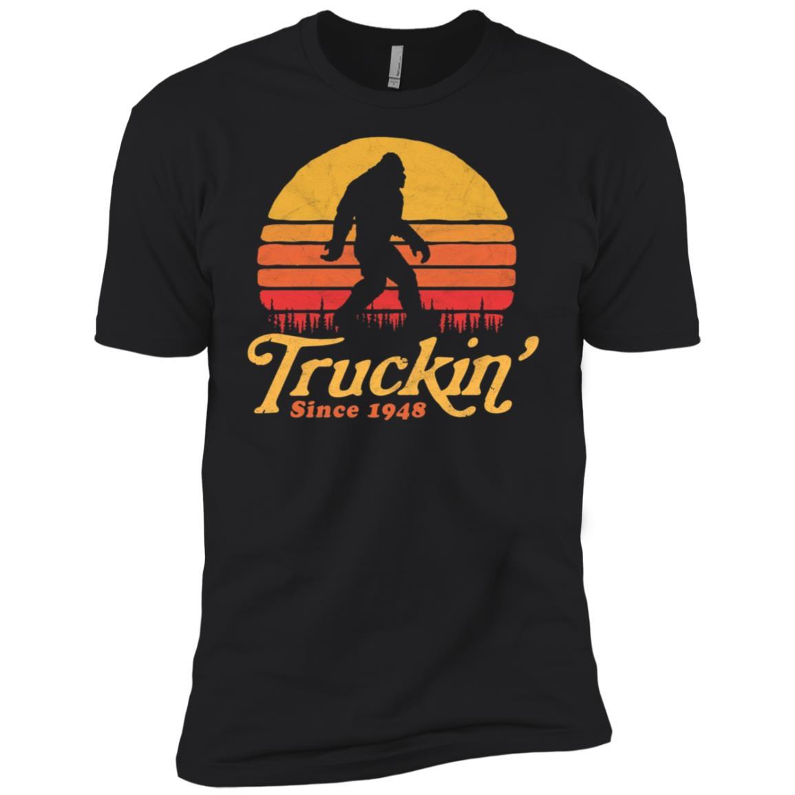 Truckin' Since 1948 Bigfoot 70th Birthday Men Short Sleeve T-Shirt