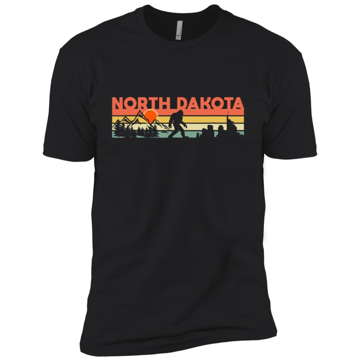 Vintage North Dakota Bigfoot Silhouette Sun Men Short Sleeve T-Shirt