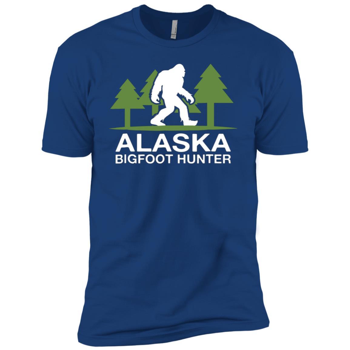 Alaska Bigfoot Hunter Funny Sasquatch Men Short Sleeve T-Shirt