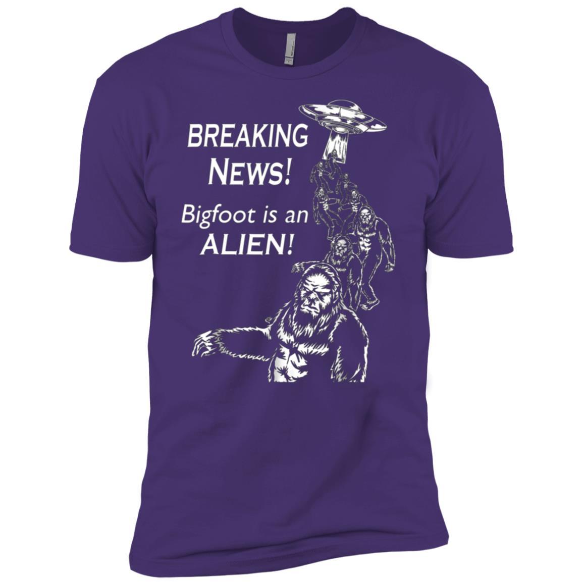 BigFoot Alien Invasion Science Fiction Lovers Men Short Sleeve T-Shirt