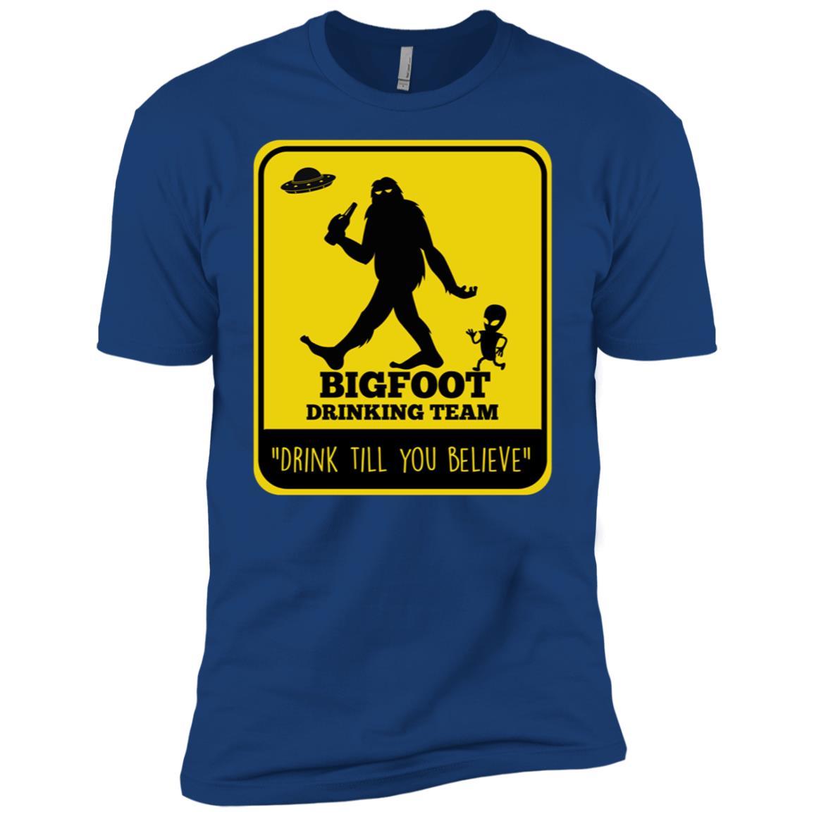 Bigfoot & UFO Alien Spacecraft Drinking Beer Tee Men Short Sleeve T-Shirt