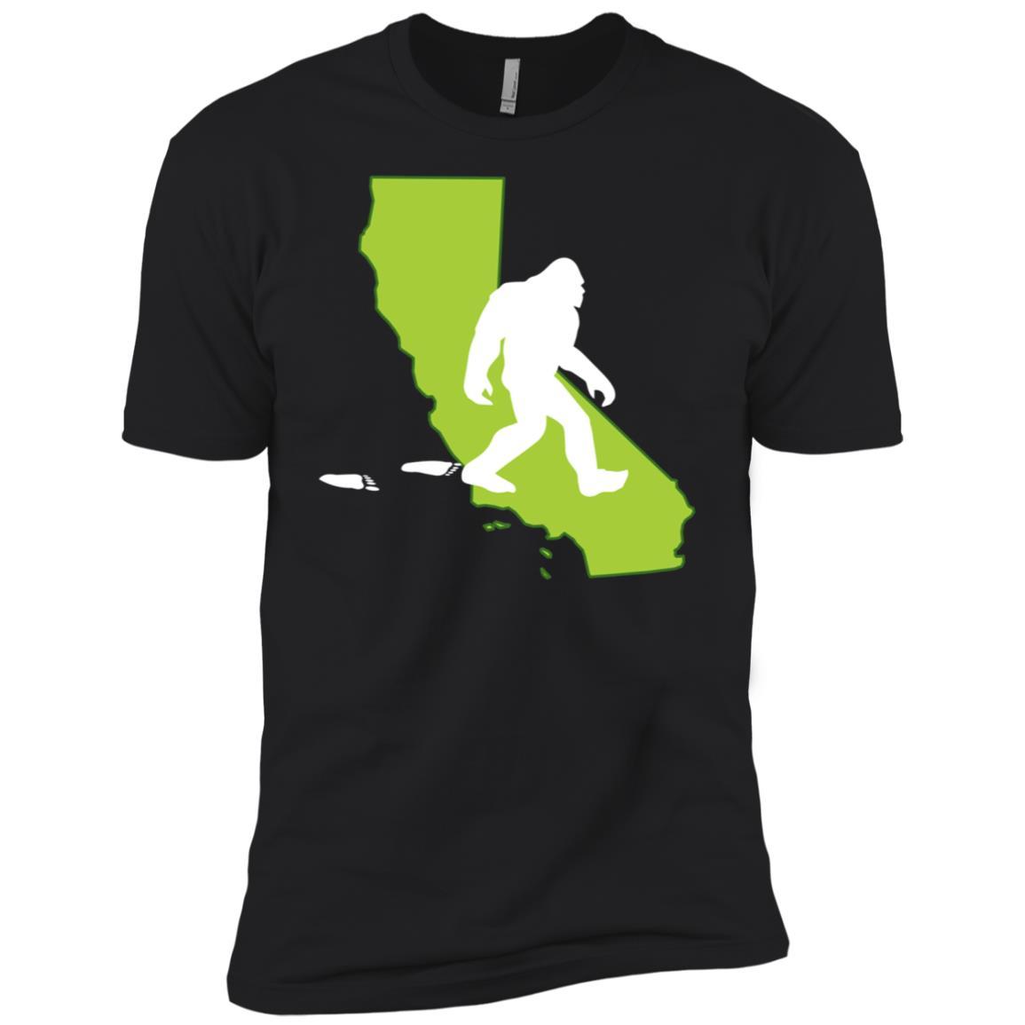 California State Bigfoot Hunter Men Short Sleeve T-Shirt