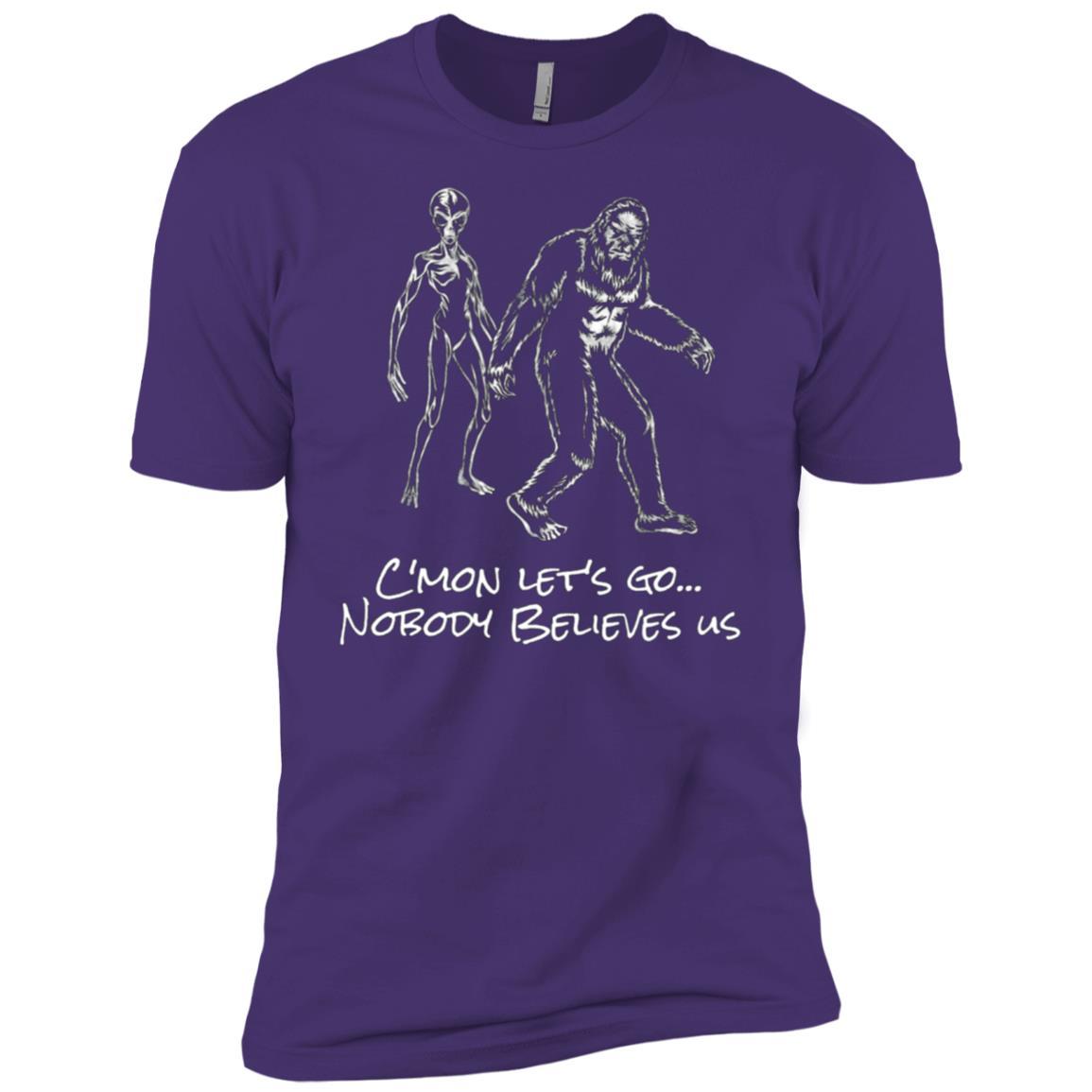 Funny Bigfoot Alien – Nobody Believes Us Men Short Sleeve T-Shirt