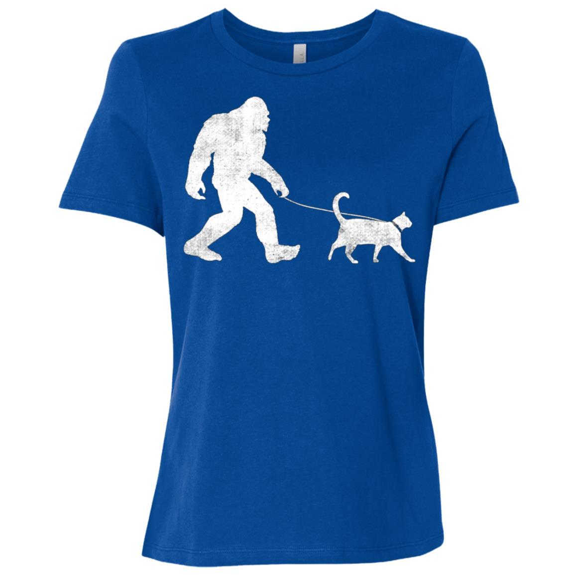Funny Bigfoot Walking a Cat Sasquatch Yeti Cat Gift Women Short Sleeve T-Shirt