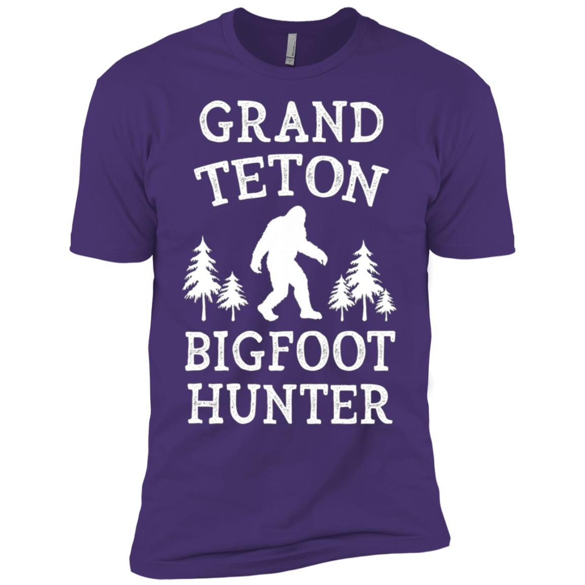 Grand Teton National Park Bigfoot Hunter Men Short Sleeve T-Shirt