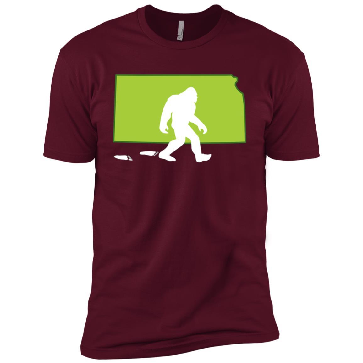 Kansas State Bigfoot Hunter Men Short Sleeve T-Shirt