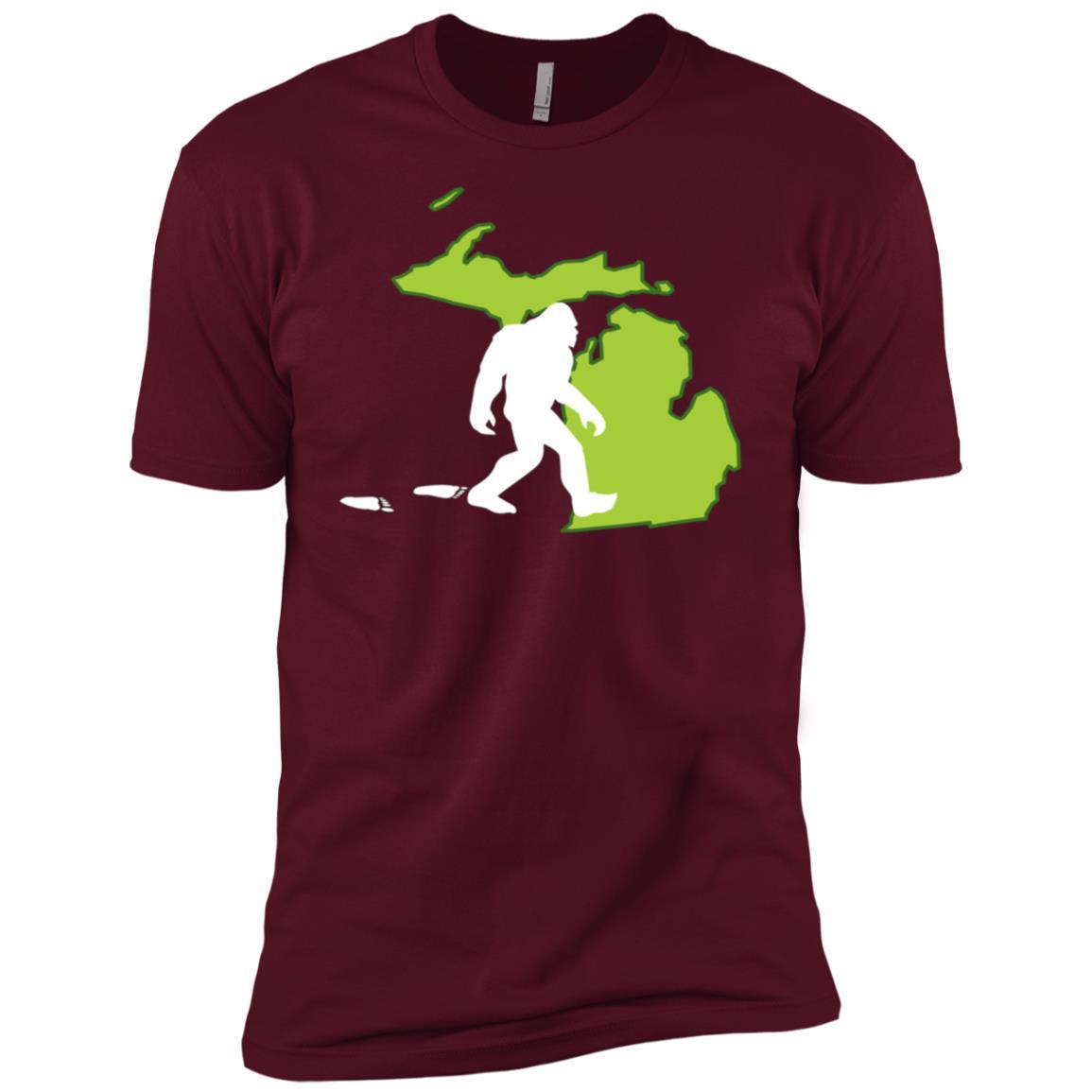Michigan State Bigfoot Hunter Men Short Sleeve T-Shirt