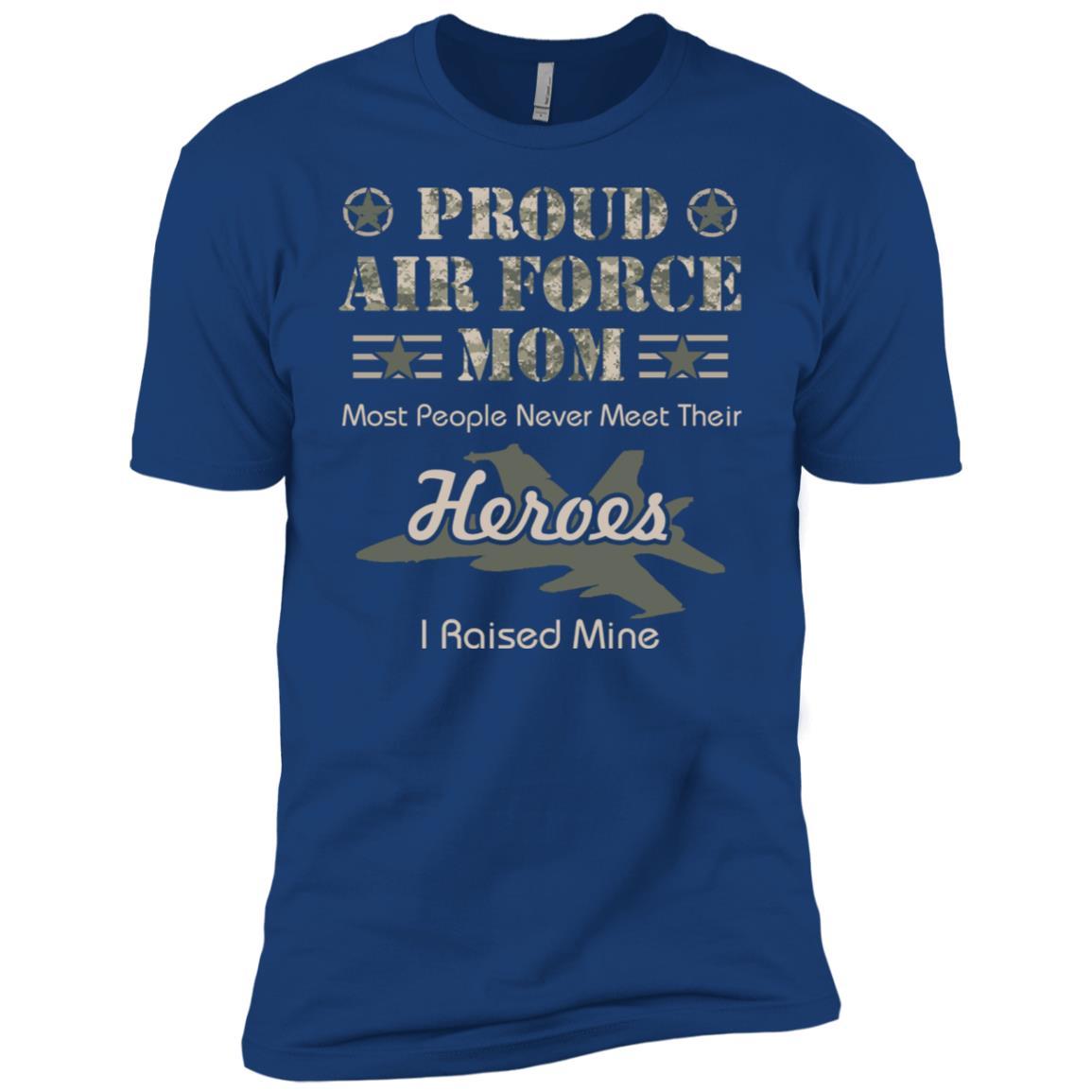 Proud Air Force Mom Men Short Sleeve T-Shirt