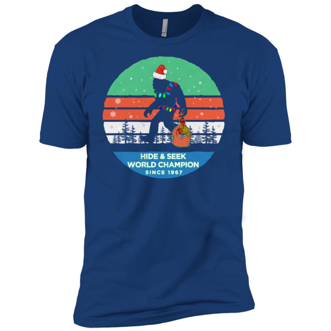 Christmas Bigfoot with Santa Hat-Hide & Seek Men Short Sleeve T-Shirt